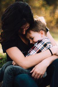 Cómo enfrentar las críticas en la maternidad